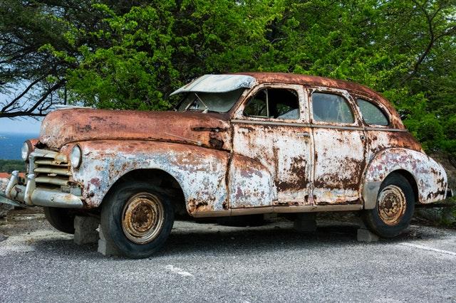Acheter neuf ou usagé (une voiture)