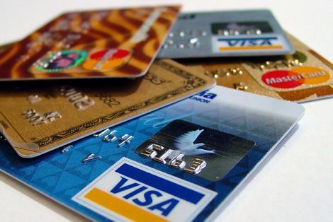 Trop de cartes de crédit et score de crédit